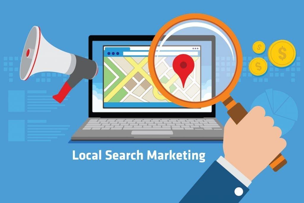 infografía en la que aparece un ordenador con google maps haciendo referencia al seo local