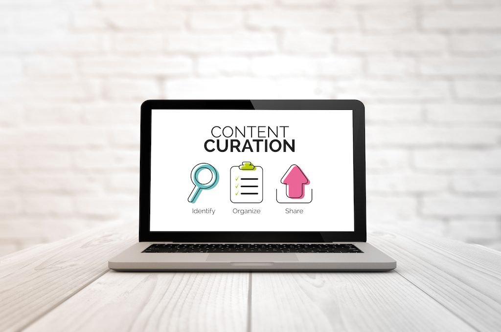 imagen de una pantalla de ordenador donde se lee Curación de contenidos