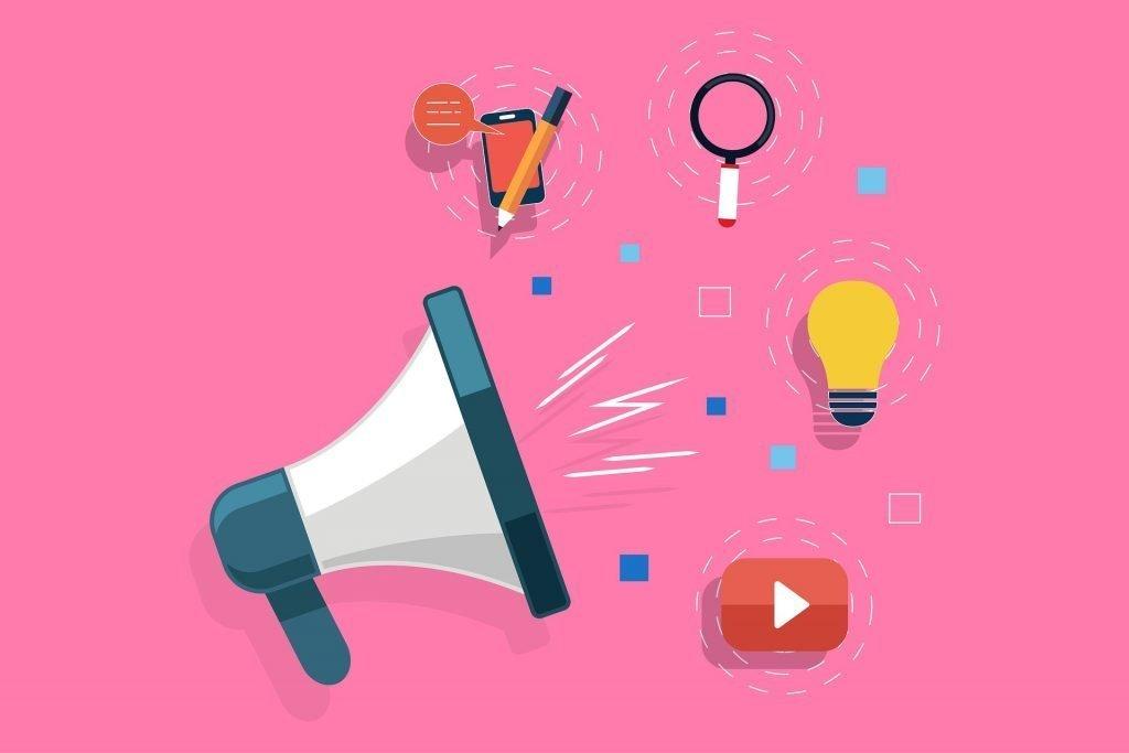ilustración de un megáfono y de él saliendo los logos de redes sociales